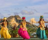 lux376ls-162138-Royal_Hawaiian_Luau